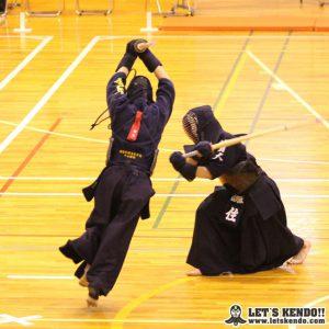 男子決勝、桐蔭次鋒・中山が面を決めて勝利し佐野日大を1-0で下し優勝を決めた。