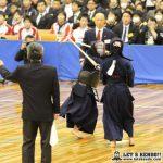 女子準決勝2、東奥義塾副将・菊川の2本勝ちで守谷から2-1で勝利し2年連続の決勝へ。