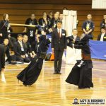 準決勝2、秋田南と東海大浦安は先鋒から副将まで引き分け、大将戦で浦安・白鳥が秋田南・齊藤から2本勝ち。